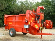 straw bedder